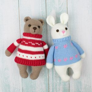 Amigurumi bunny in pullover - Free crochet pattern by Amigurumi Today