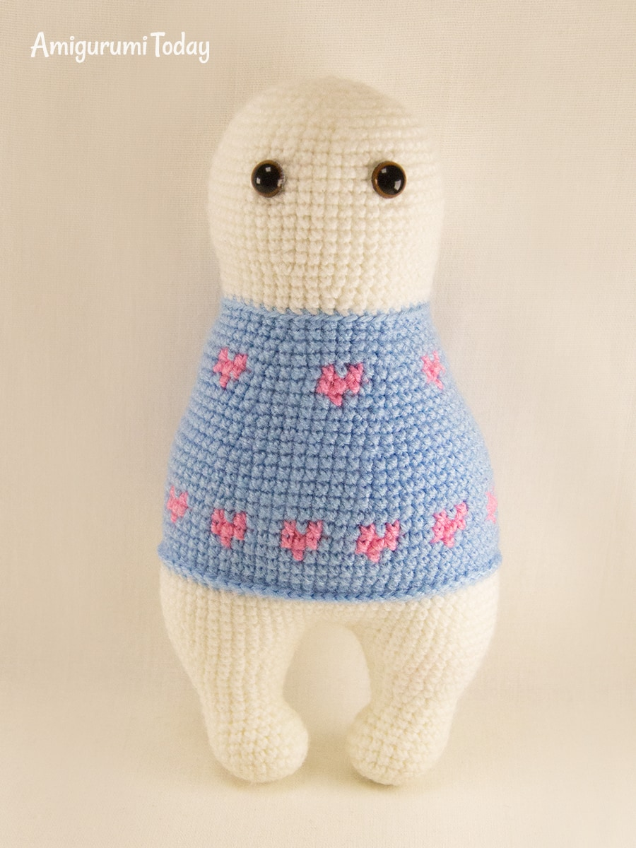 Free amigurumi bunny pattern. The head and body is crocheted ... | 1200x900
