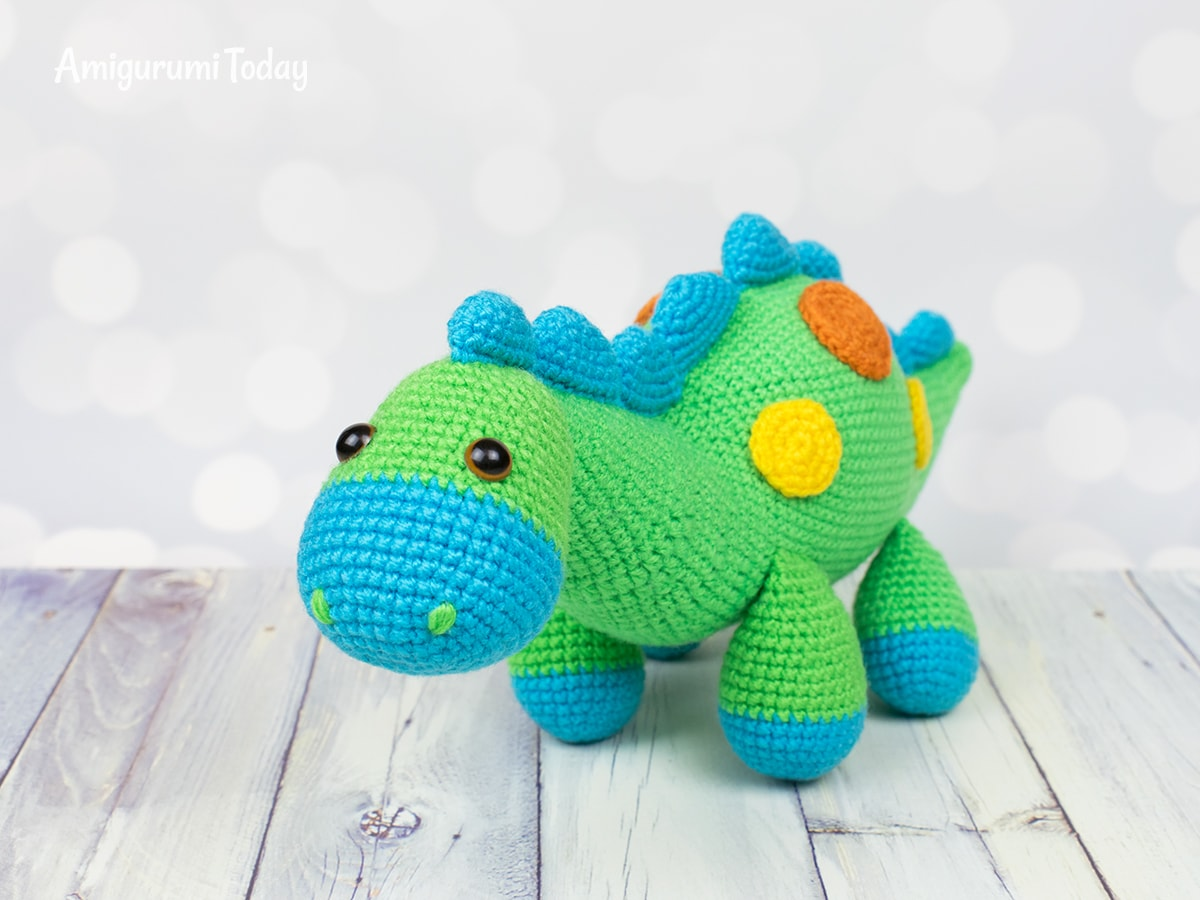 Amigurumi dinosaur - Free crochet pattern by Amigurumi Today