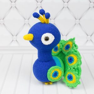Amigurumi Peacock - Free crochet pattern by Amigurumi Today