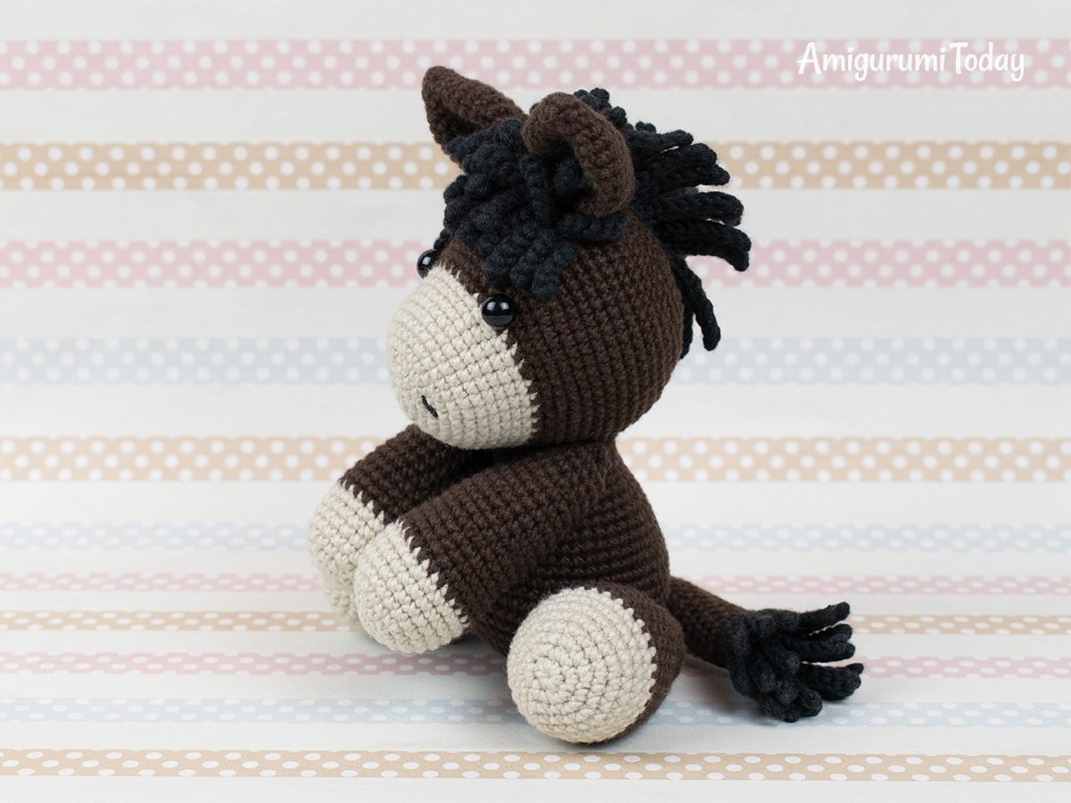 Baby donkey - Free crochet pattern by Amigurumi Today
