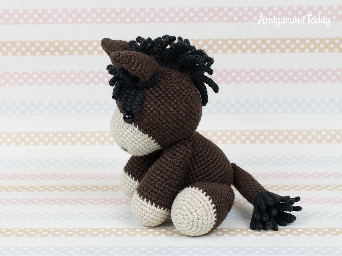 Baby donkey crochet pattern by Amigurumi Today