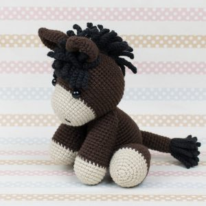 Free baby donkey crochet pattern by Amigurumi Today