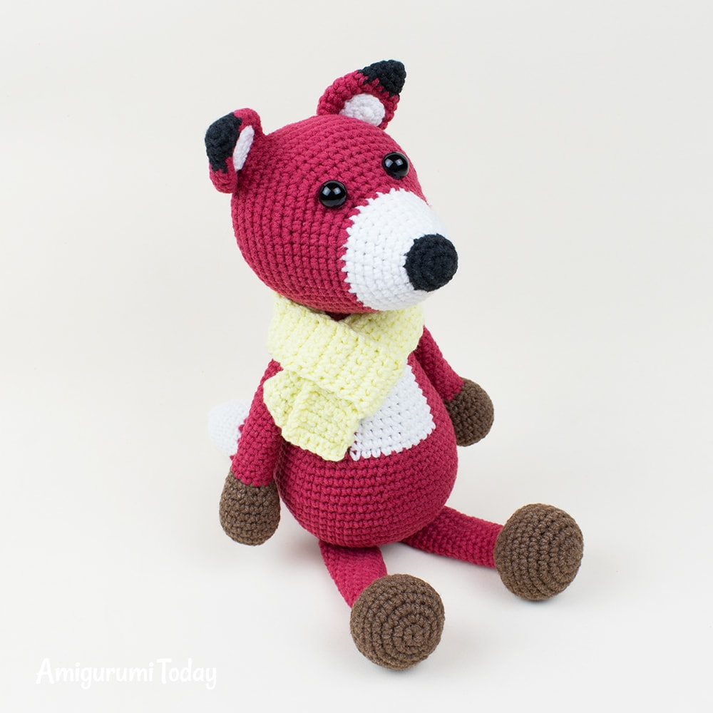 Free red fox crochet pattern by Amigurumi Today