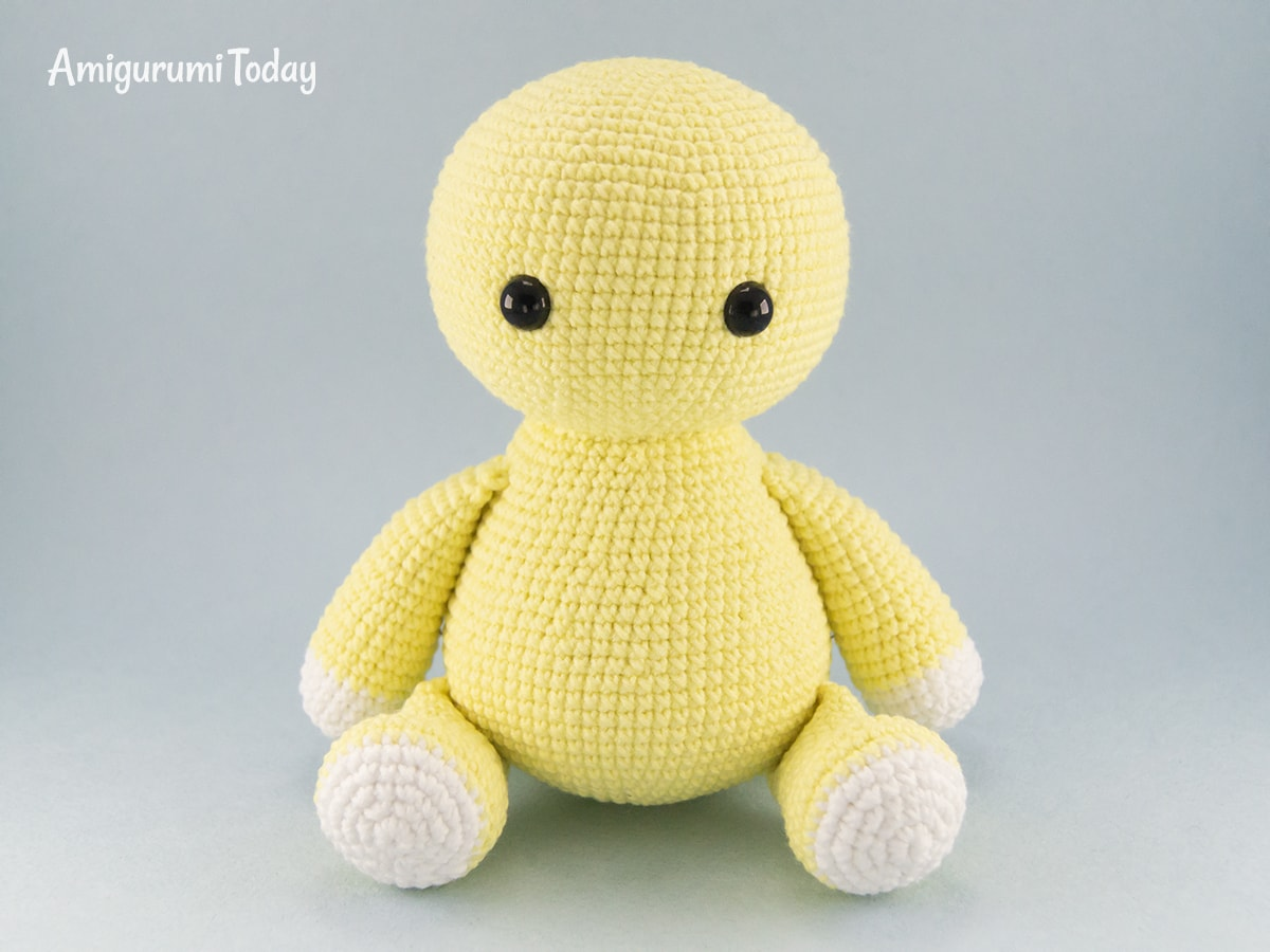 Free Leo the Lion amigurumi pattern - Assembly