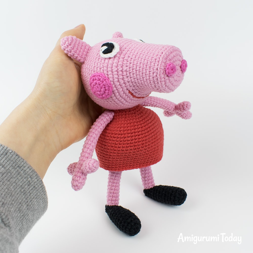 Free Peppa Pig amigurumi pattern by Amigurumi Today