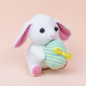 Amigurumi Easter bunny with egg - Free crochet pattern by Amigurumi Today