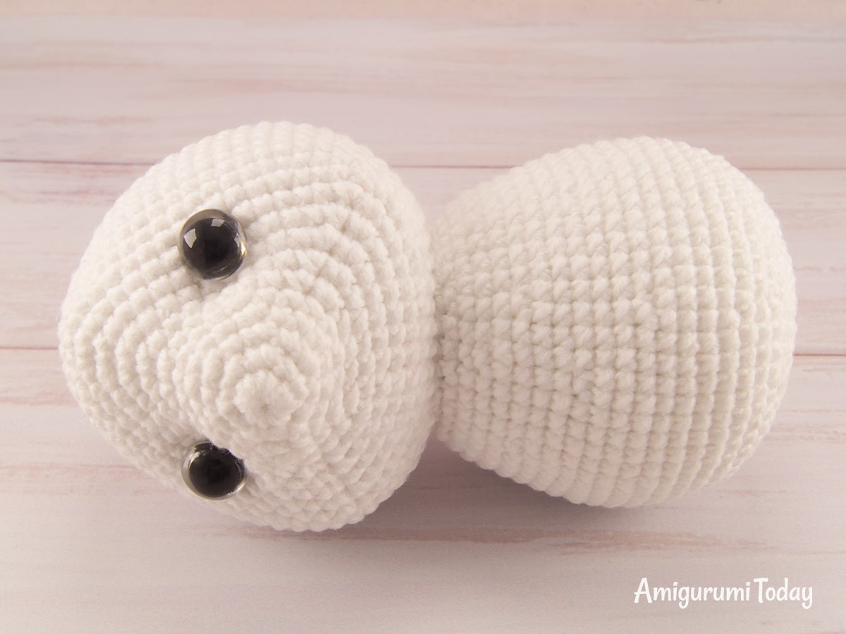 Amigurumi bunny with Easter egg crochet pattern - Assembly