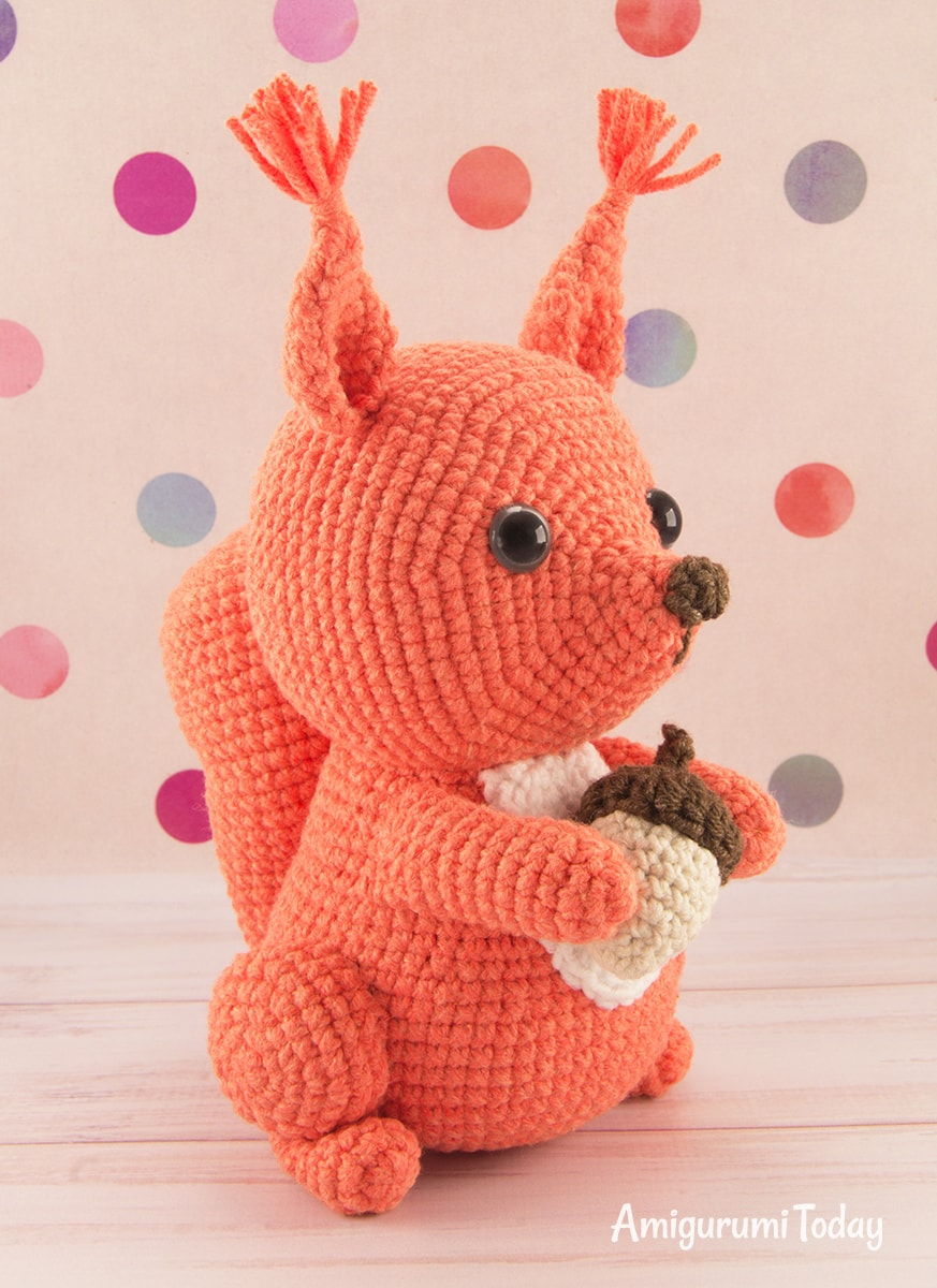 Amigurumi squirrel crochet pattern