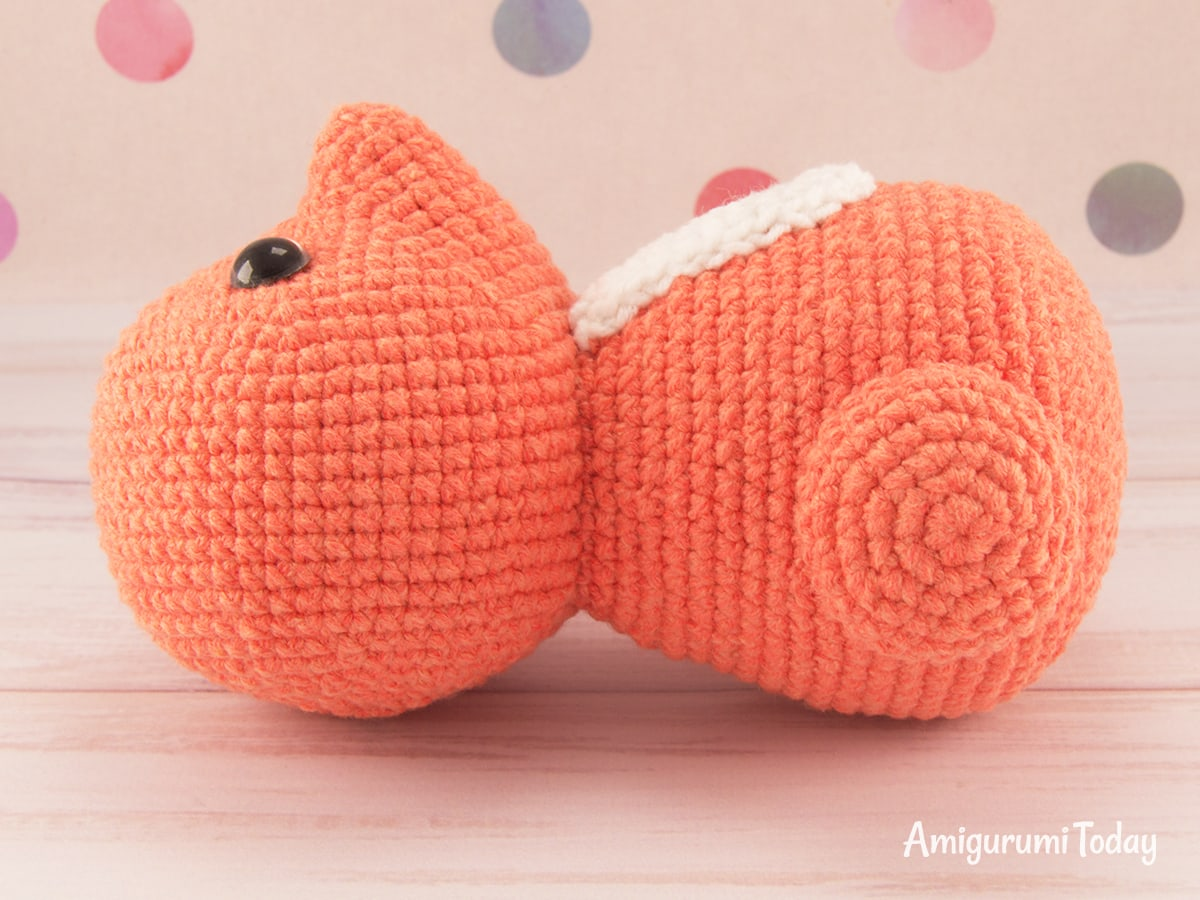 Free amigurumi squirrel crochet pattern - Assembly