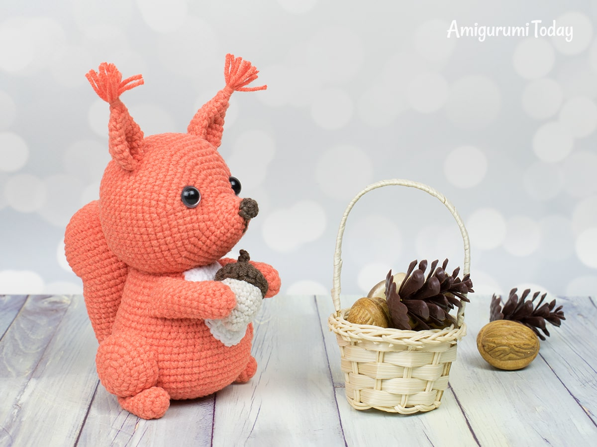 Free squirrel crochet pattern by Amigurumi Today