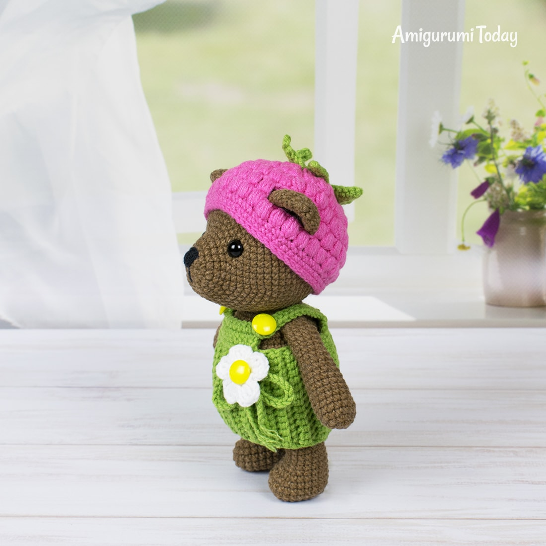 Amigurumi Raspberry Bear - Free crochet pattern by Amigurumi Today