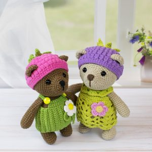 Amigurumi blackberry bear crochet pattern by Amigurumi Today