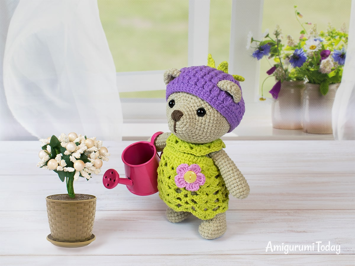 Blackberry Bear amigurumi pattern
