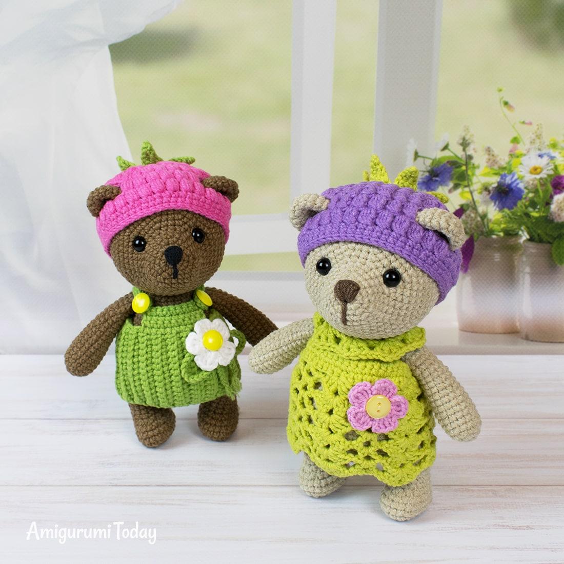 Free blackberry bear crochet pattern by Amigurumi Today