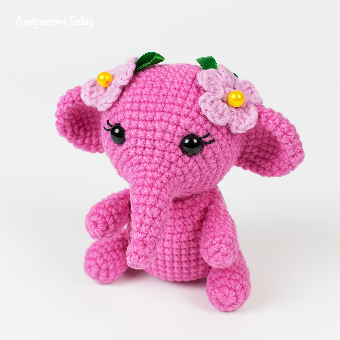 Free pink elephant crochet pattern by Amigurumi Today