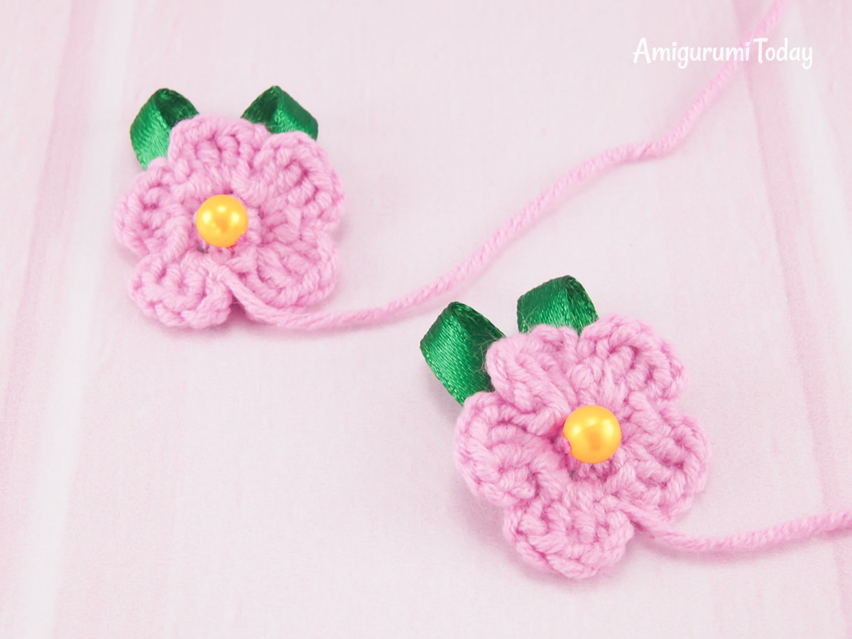 Pink elephant crochet pattern - Flowers