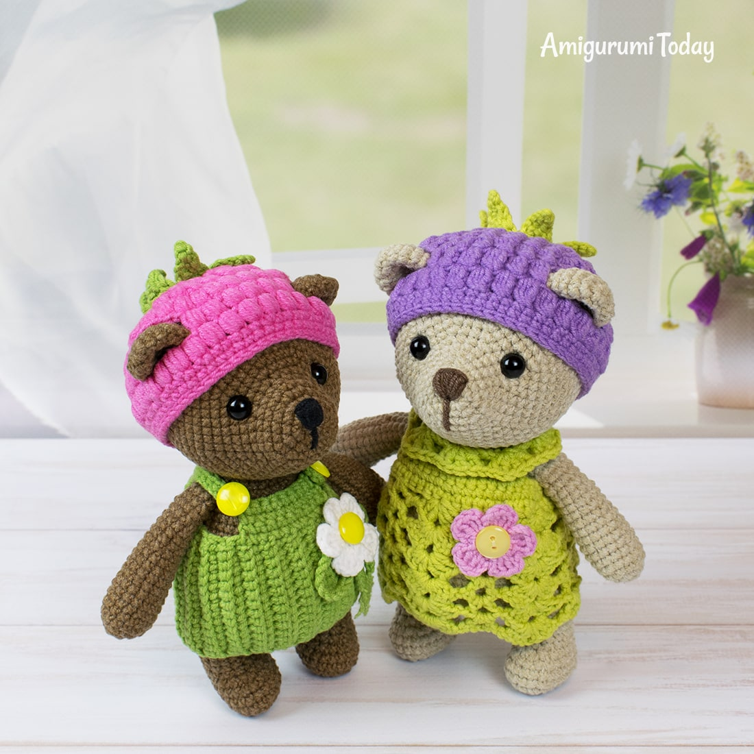 Raspberry and blackberry bear crochet patterns by Amigurumi Today