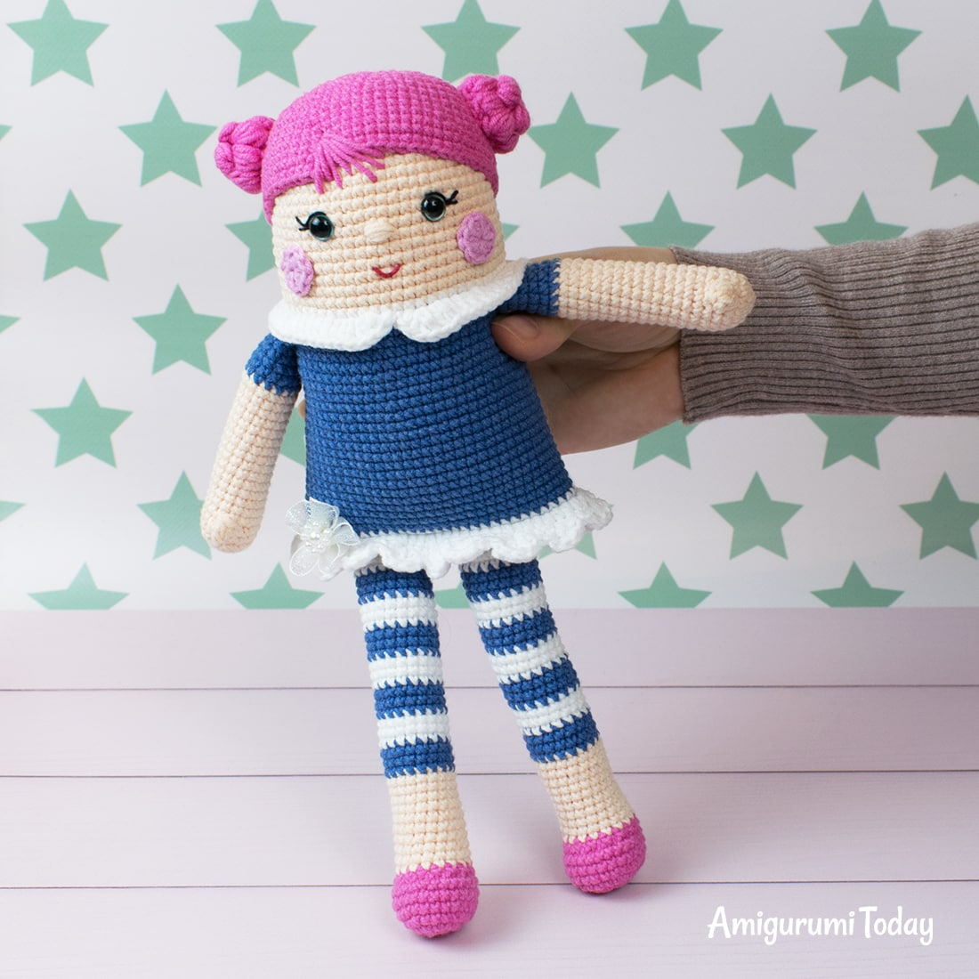 Free crocheted rag doll pattern