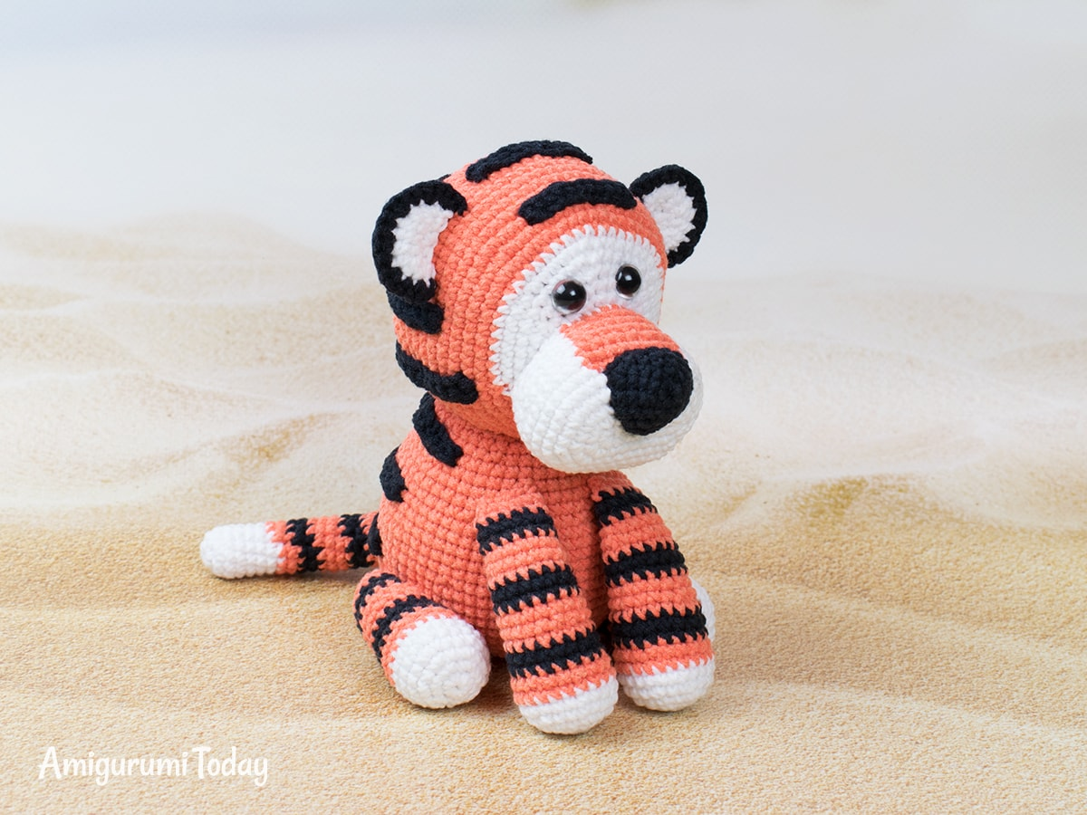 Romeo the Tiger amigurumi pattern by Amigurumi Today