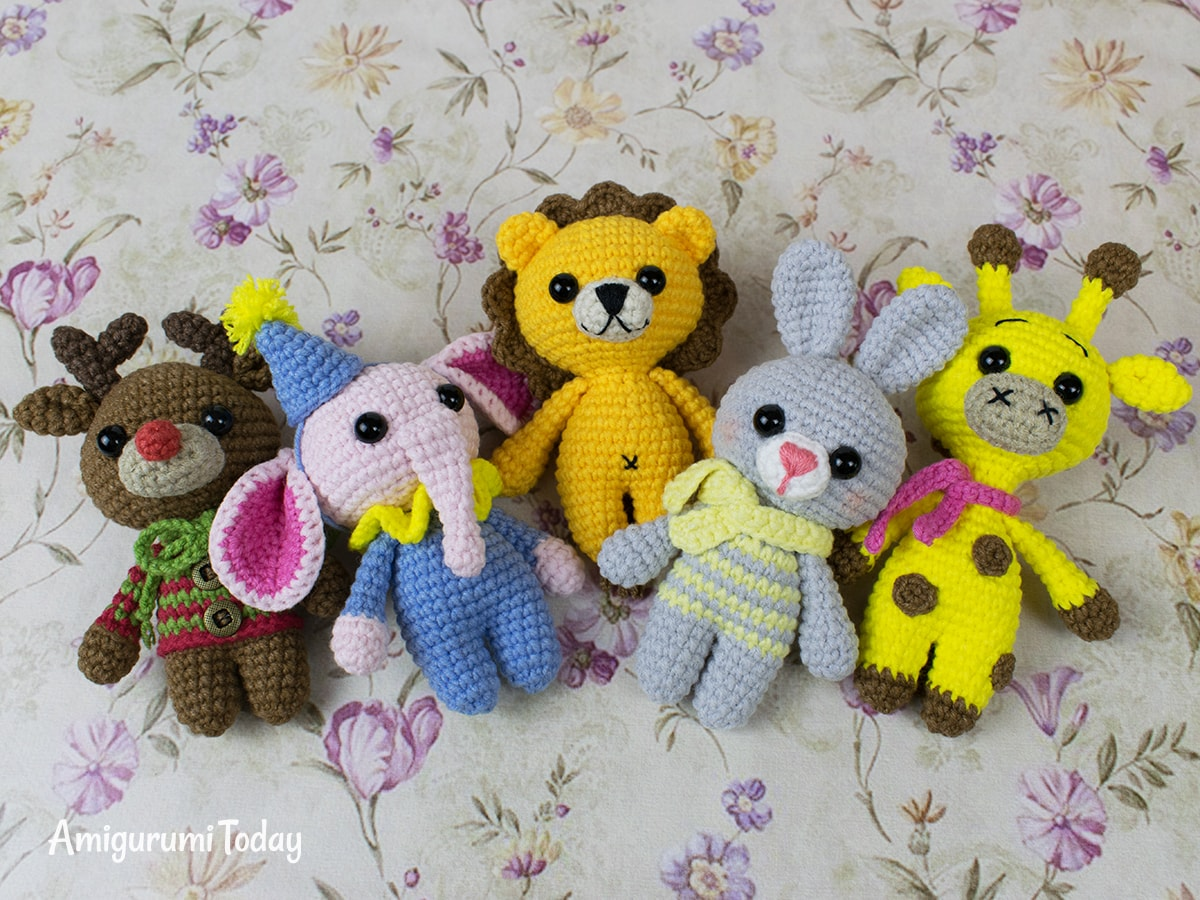 Free tiny lion amigurumi pattern by Amigurumi Today
