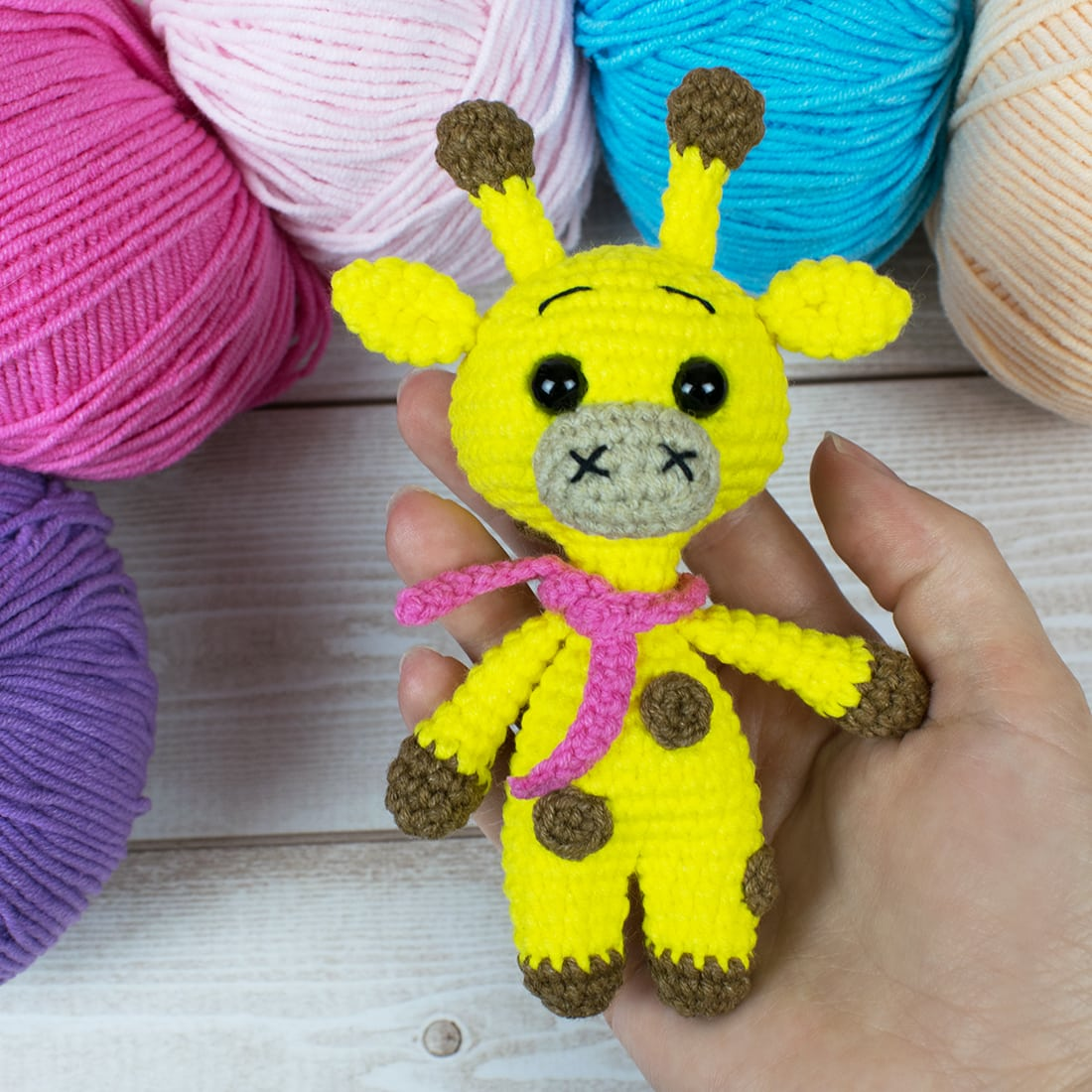 Cute Crochet Giraffe Amigurumi Free Pattern - DIY 4 EVER | 1100x1100
