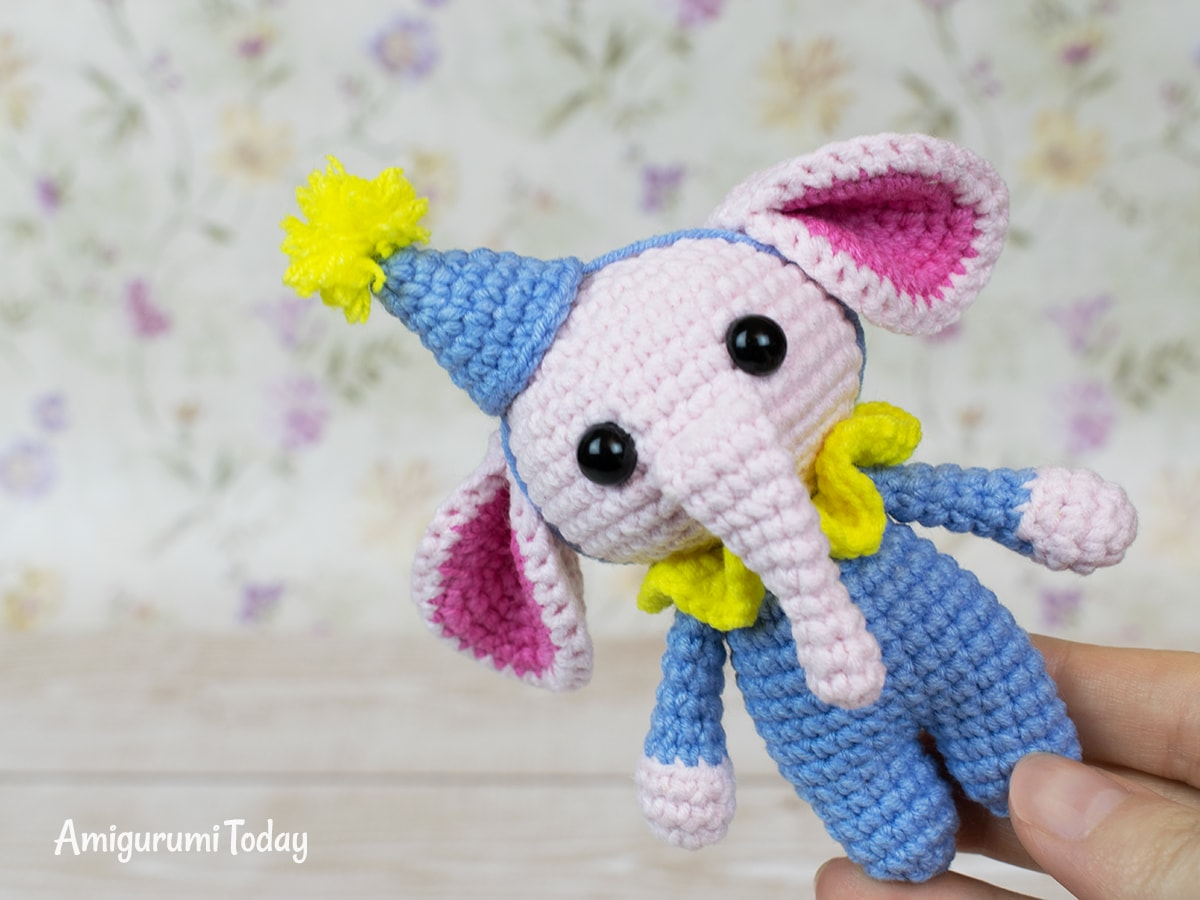 Tiny elephant crochet pattern by Amigurumi Today
