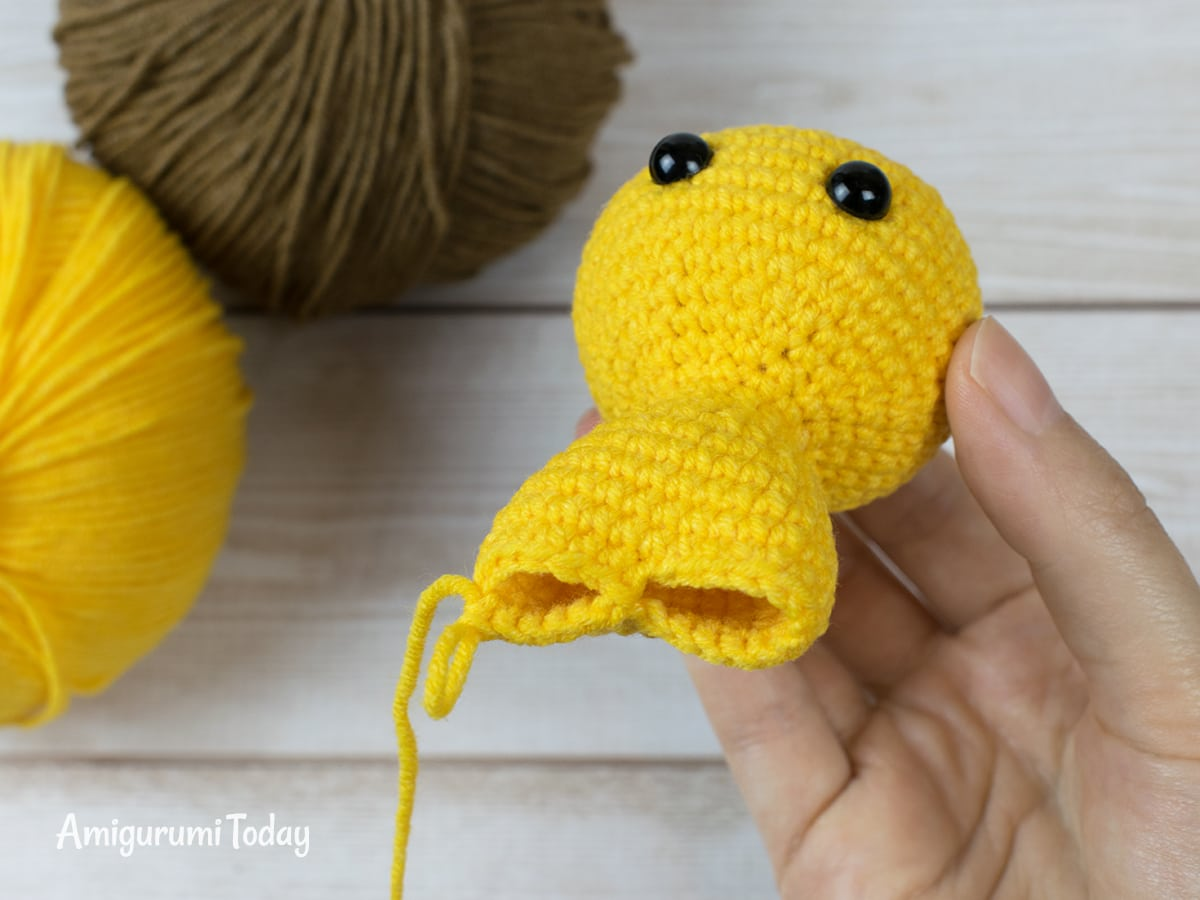 Tiny lion amigurumi pattern - Making legs