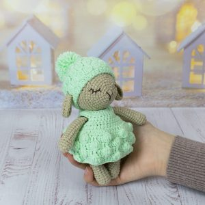 Cute And Easy To Crochet Doll Amigurumi - Pattern Center | 300x300