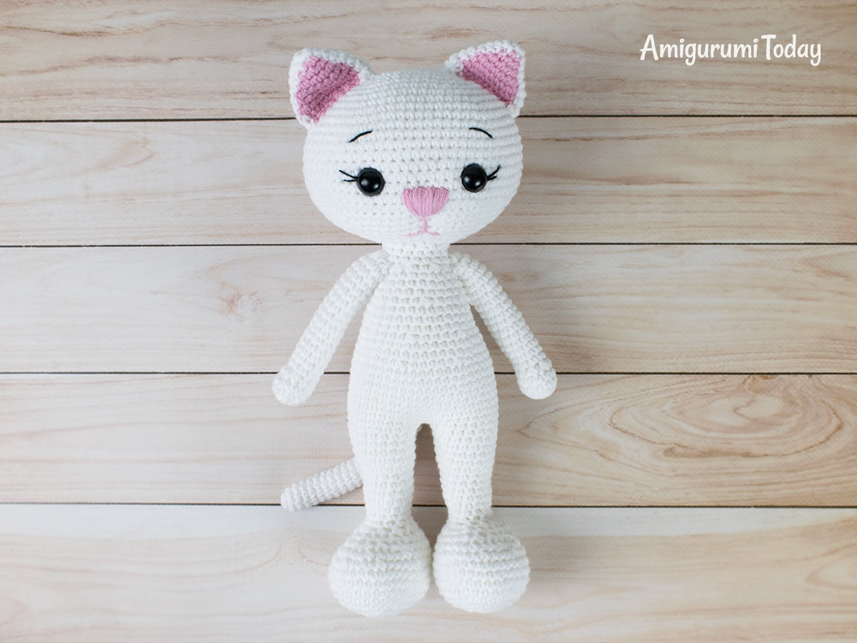 Amigurumi cat doll in sundress crochet pattern