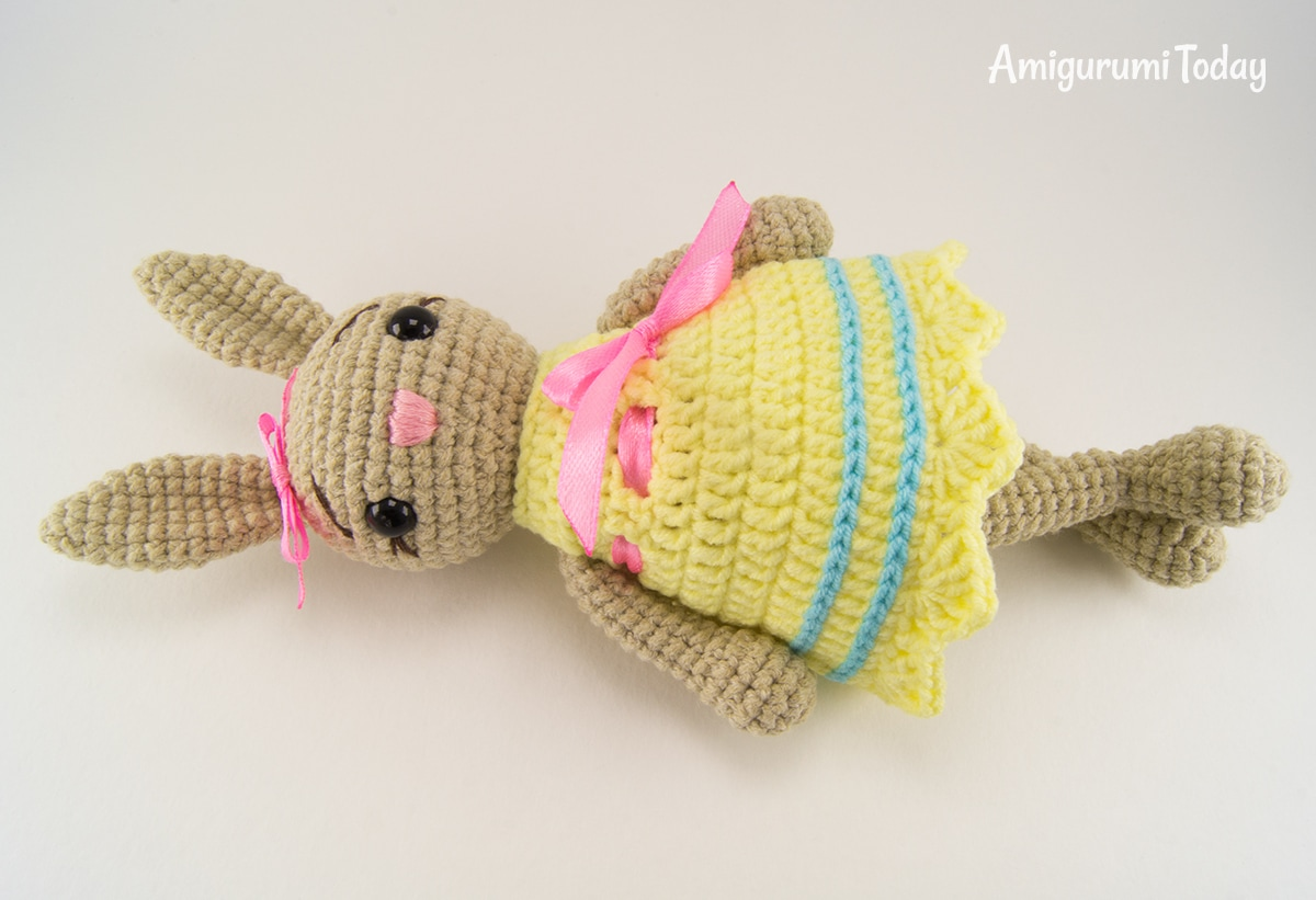 Amigurumi little crochet bunny in dress pattern