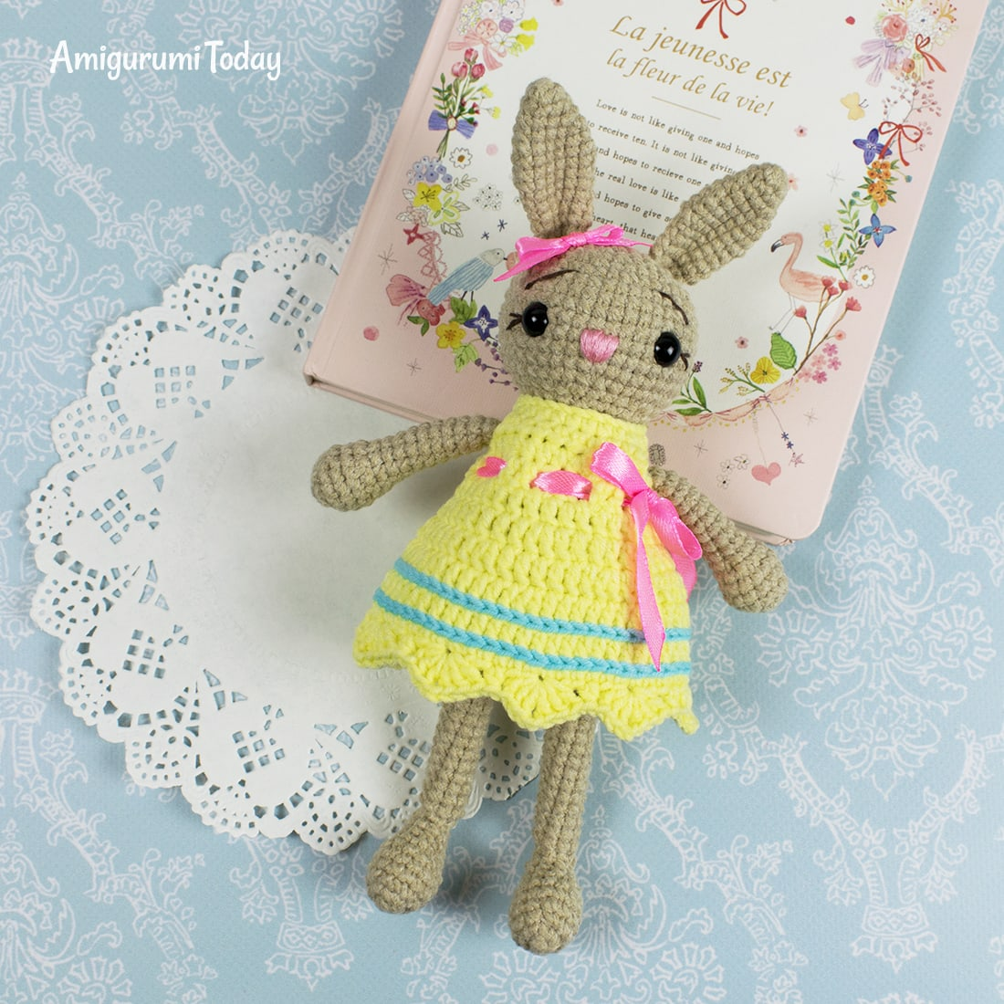 Amigurumi little crochet bunny pattern by Amigurumi Today