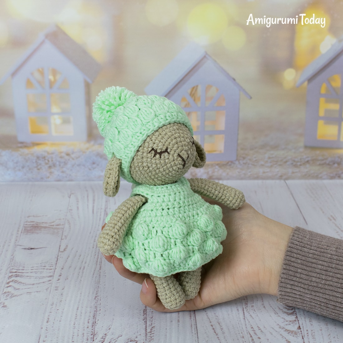 Amigurumi bunny in pullover pattern - Amigurumi Today | 1100x1100