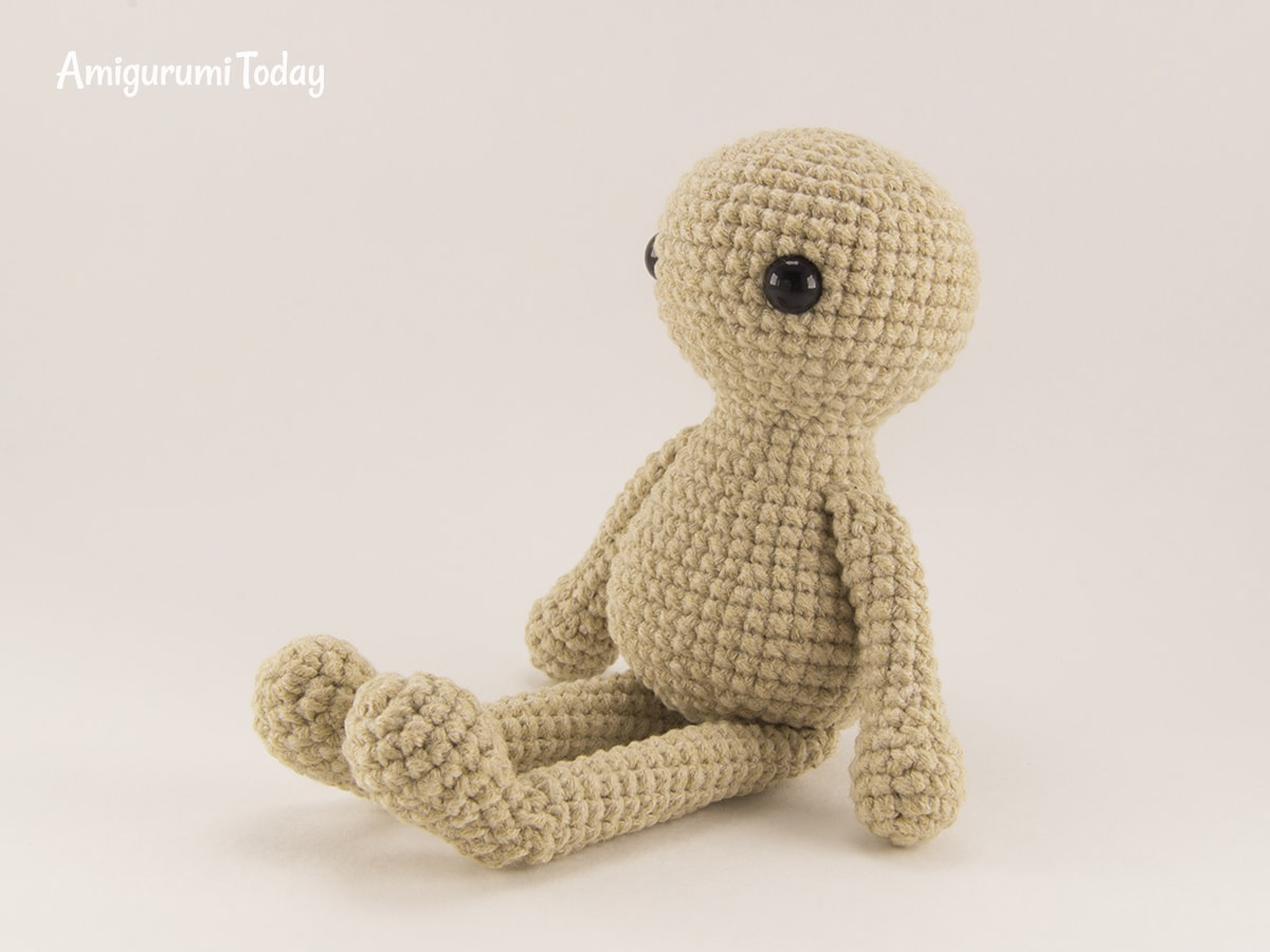 Little crochet bunny pattern - Assembly