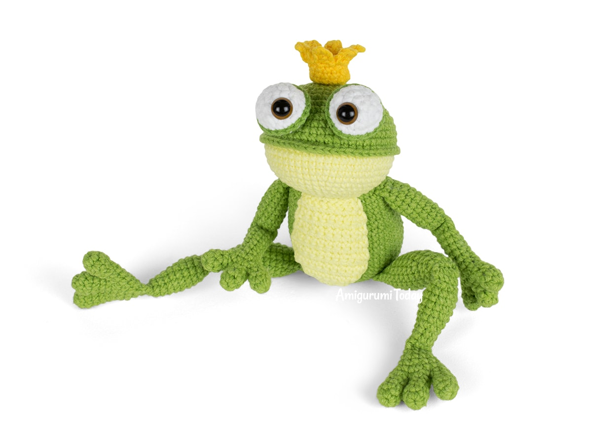 Crochet Frog Prince amigurumi pattern designed by Amigurumi Today