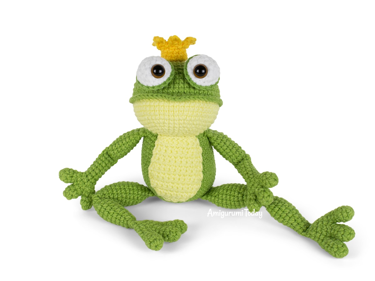 Free crochet Frog Prince amigurumi pattern by Amigurumi Today