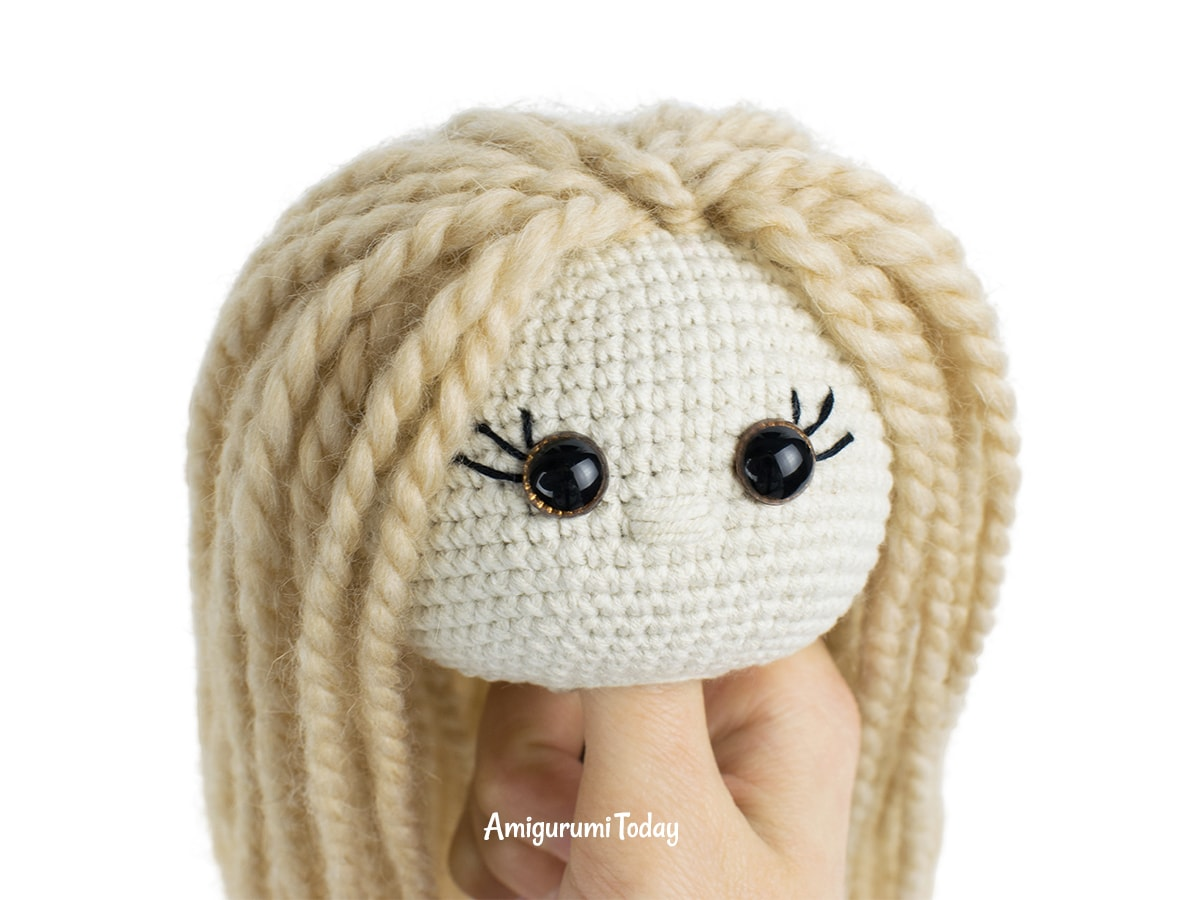 Kelly Doll crochet pattern - Making hair