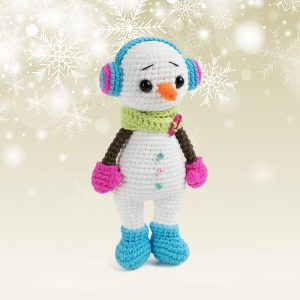 Cuddle Me Snowman Amigurumi - Free crochet Christmas pattern by Amigurumi Today