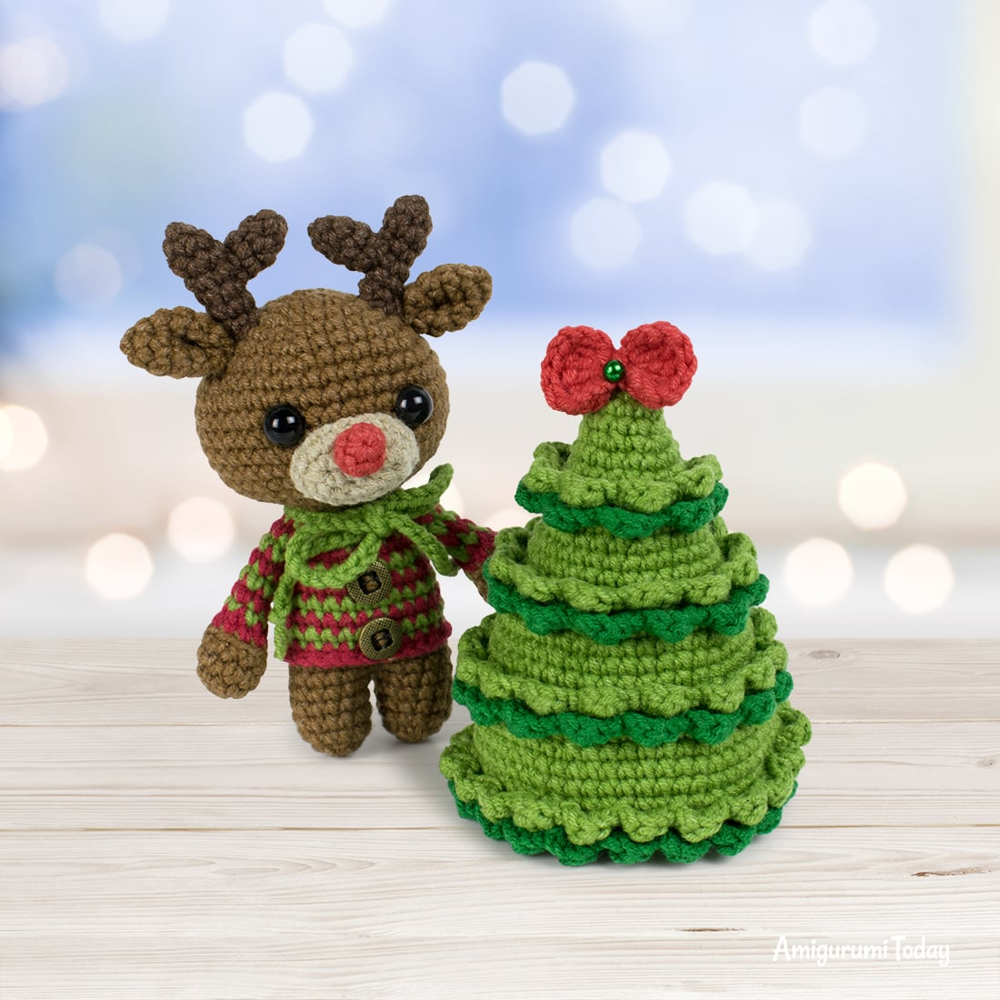 Free Christmas tree crochet pattern by Amigurumi Today