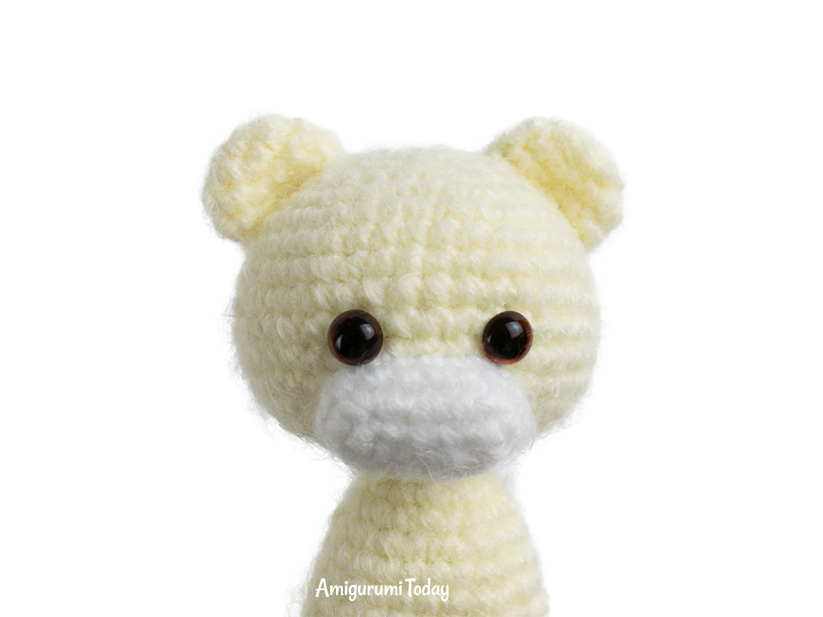 Crochet bears with heart amigurumi pattern - Muzzle and ears