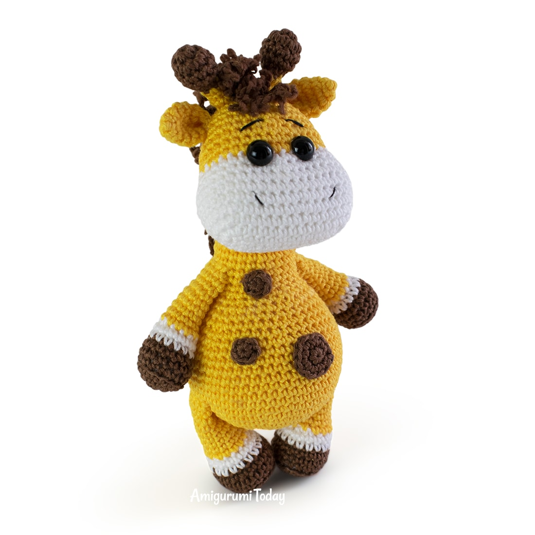 Free baby giraffe crochet pattern by Amigurumi Today