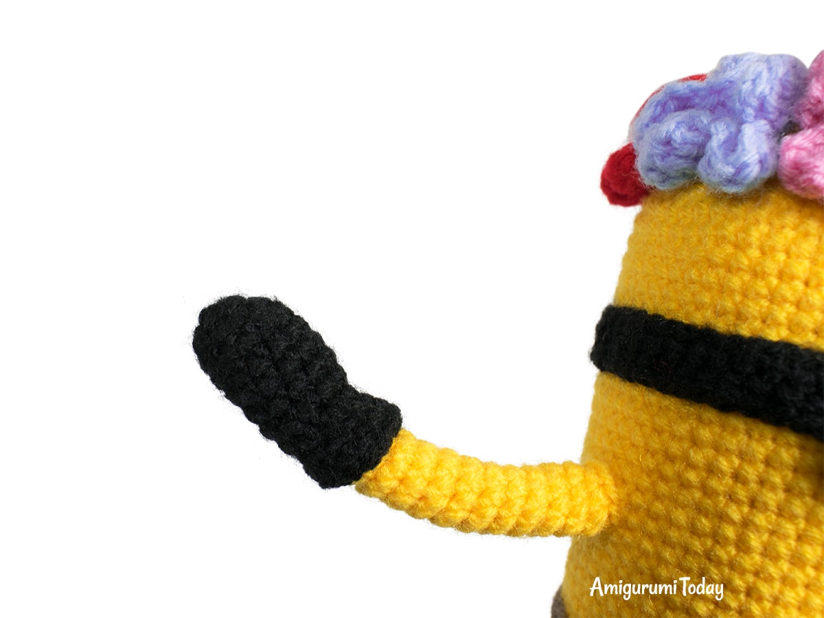 Amigurumi Hawaiian Minion Crochet Pattern - Arm