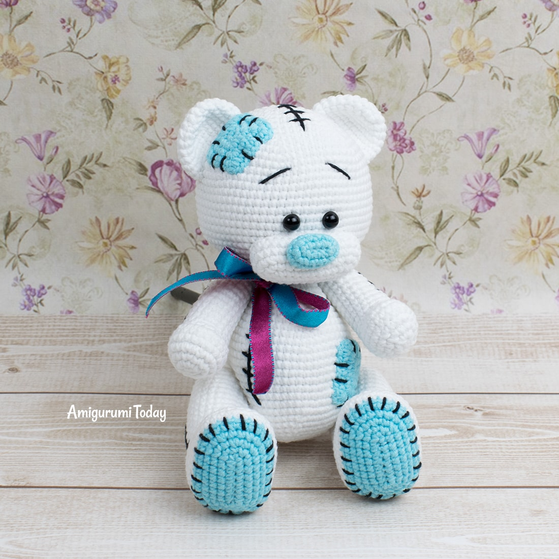 Free Teddy Bear crochet pattern designed by Amigurumi Today