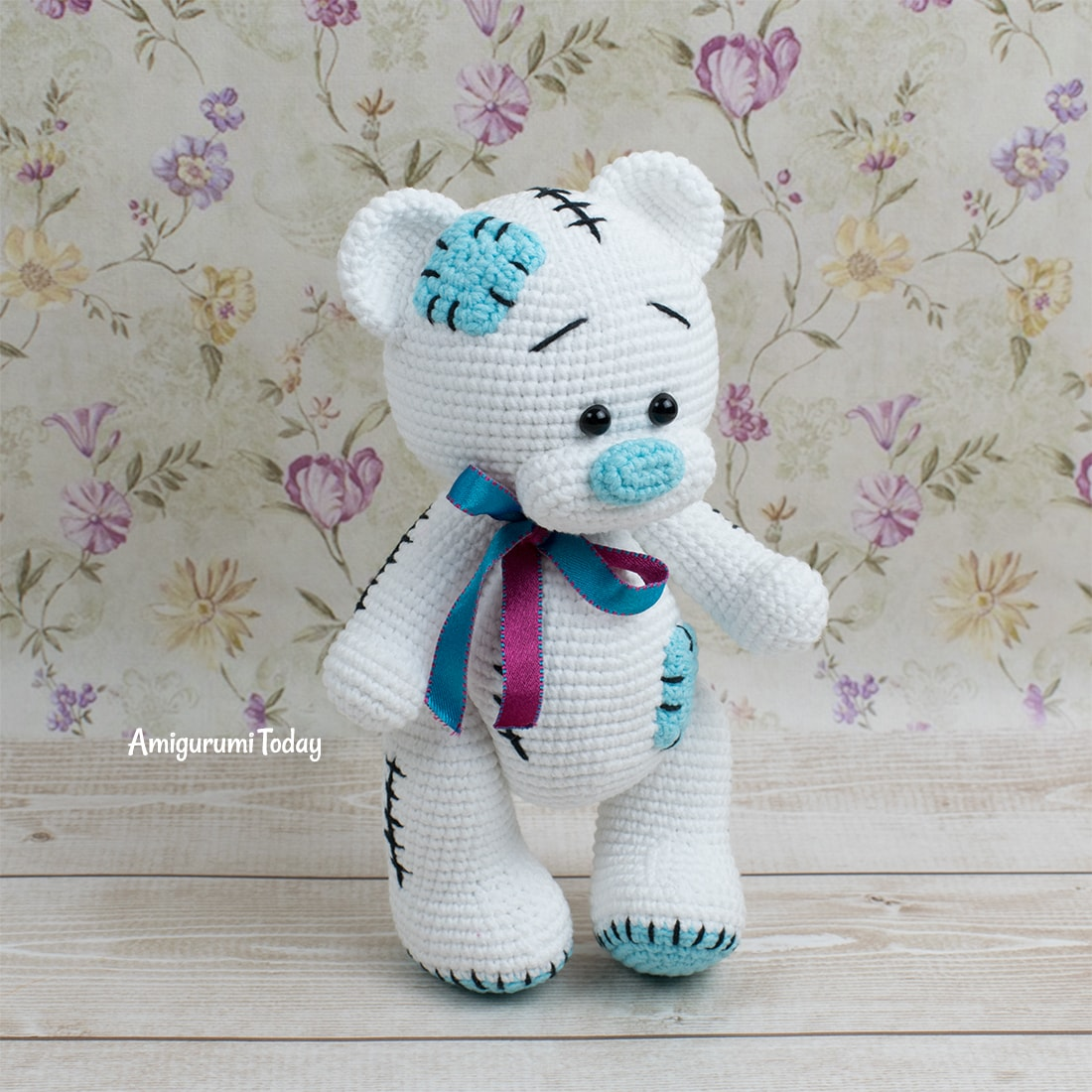 Free bear crochet pattern designed by Amigurumi Today