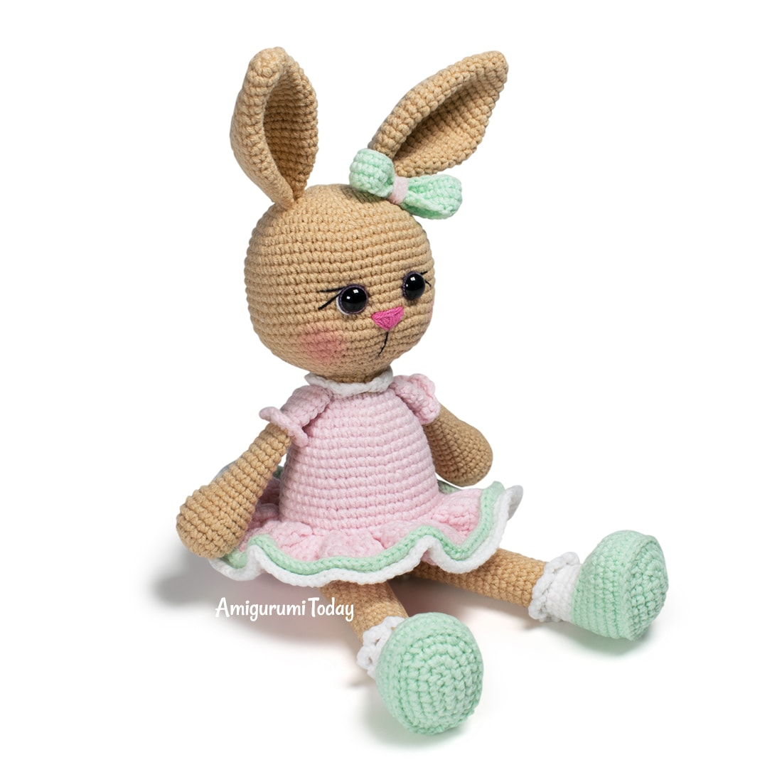Free Lolli Bunny crochet pattern designed by Amigurumi Today