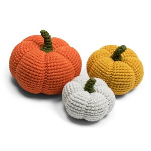 Free Halloween amigurumi pumpkin crochet pattern designed by Amigurumi Today