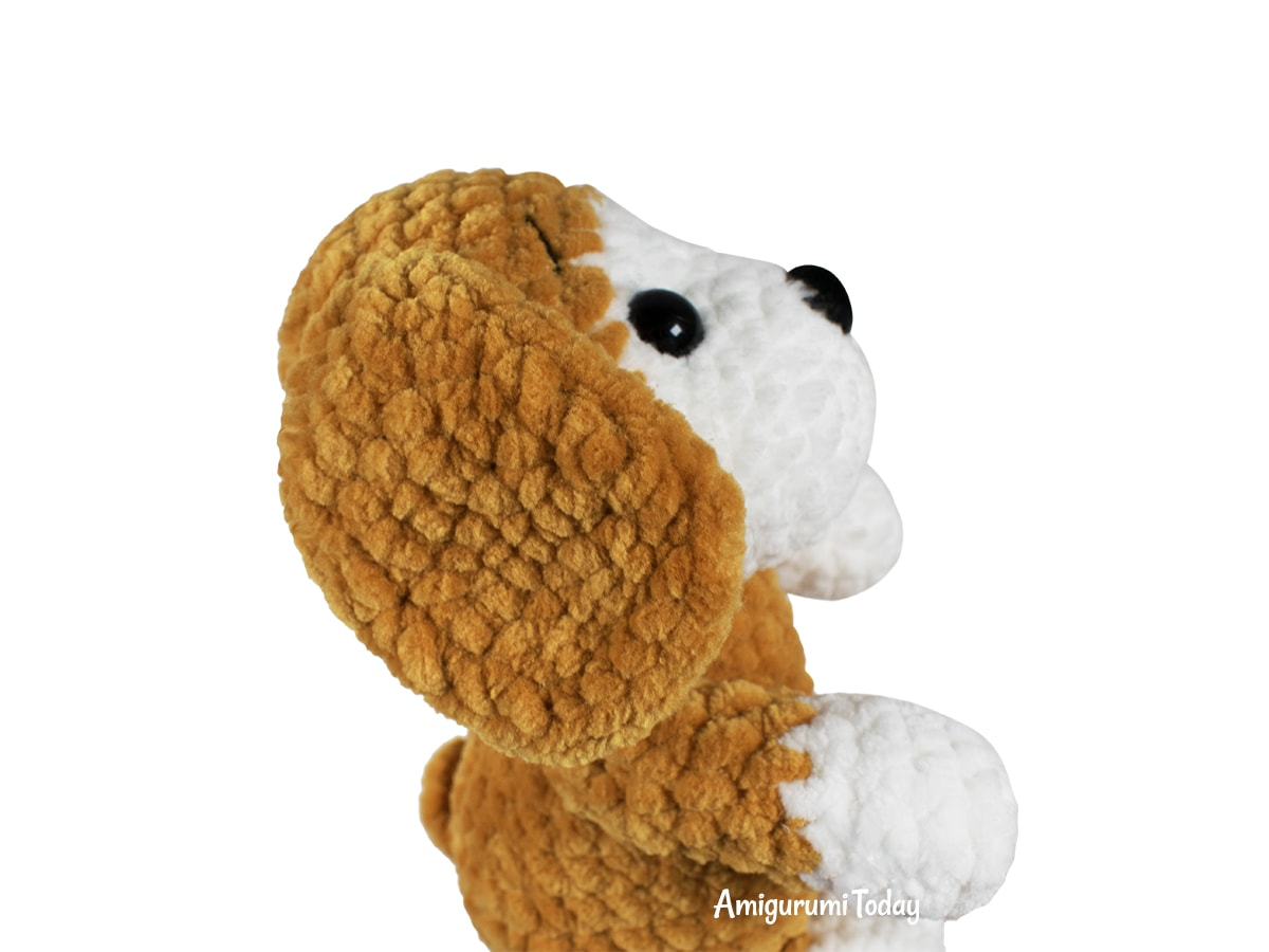 Free amigurumi dog crochet pattern - Ears