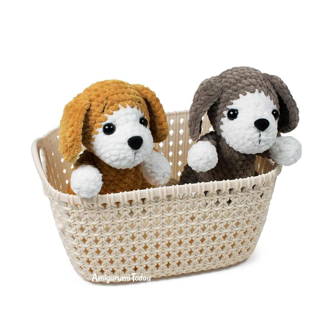 Plush amigurumi dog crochet pattern by Amigurumi Today