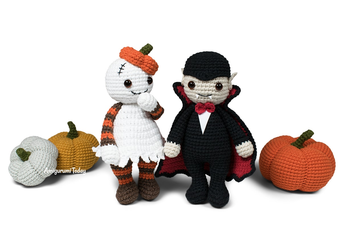 Free Halloween Cuddle Me Ghost and Vampire crochet patterns by Amigurumi Today
