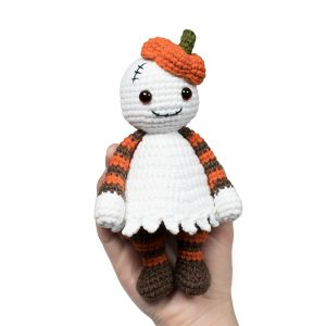 Halloween Cuddle Me Ghost crochet pattern - Free amigurumi pattern